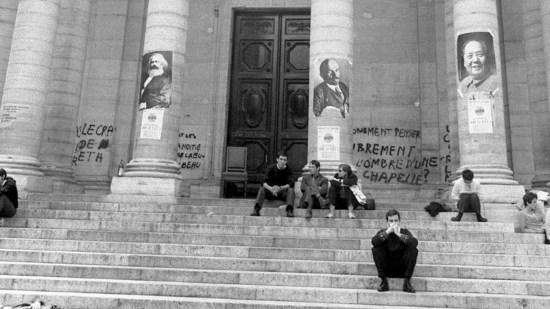 Mai-68-pegre-rouge-La-Sorbonne